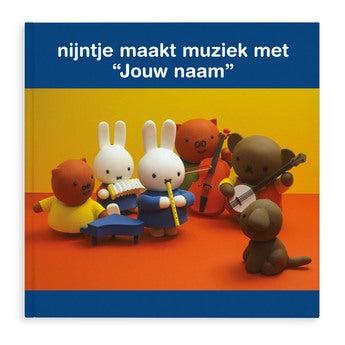 Boek met naam nijntje maakt muziek (Softcover)